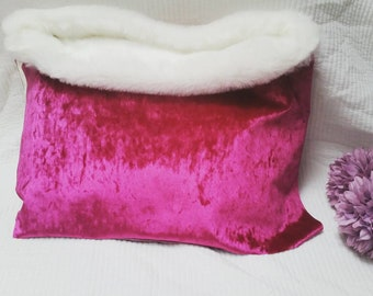 Luxury pet Pouch/choose your own colour/Snuggle pouch/Blanket/Bedding/Cave bed/Sleeping bag/Crushed velvet/Faux fur