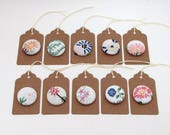 10 party favors magnets - vintage embroidery magnets - shabby - wedding favors - baby shower favors - bulk wholesale - gift tags