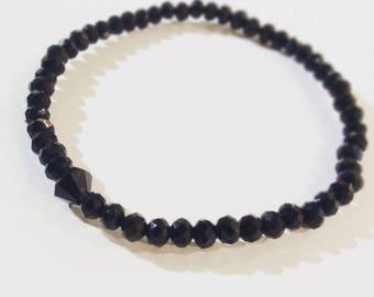 Faceted glass bead bracelet