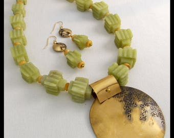 MAGNIFICENT JADE - Unique Vintage Jade Beads - Handforged Bronze Pendant - Necklace and Earrings Duo