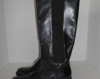 Vintage boots womens 80s 90s black genuine Leather Boots  size 7 US    made in Brazil