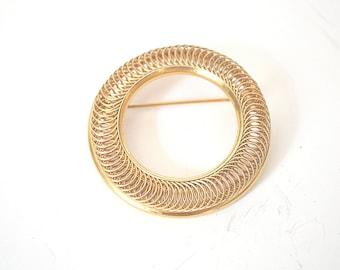 Gold Brooch, Vintage Brooch, Circle Brooch, 1970's Brooch, Goldtone Brooch, Vintage Pin