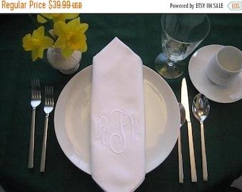 ON SALE Personalized Napkins - Monogrammed dinner napkins set of 6