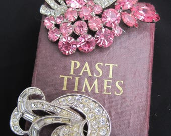 Two vintage Brooches, Pins, vintage pins, 60's vintage brooches, pink pin,