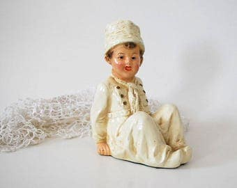 Dutch Boy Bookend, 1930s or 1940s Chalkware Bookend, Antique White Figurine, Winter Kitsch Home Decor, Shabby Cottage Chic, Plaster Figure
