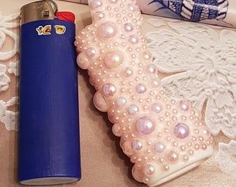 Bic Lighter Sleeve/Pink Pearls