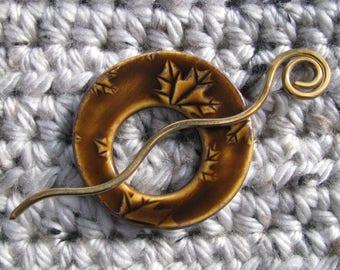 Ceramic Pottery Shawl Pin Brooch Brown Amber