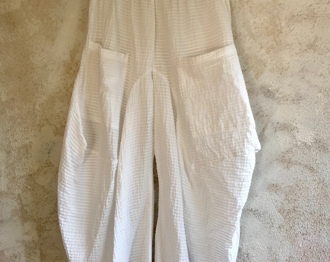 White cotton one size lagenlook pintuck pant