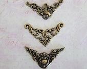 LAST SET 3 Brass Decorative Corner Findings 3899Q