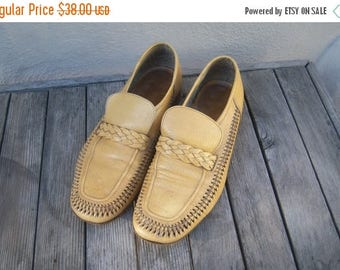 30% MOVING SALE Mens Italian leather loafers / 70s loafers / buff buttery yellow / woven leather huarache loafers / mens 8 9