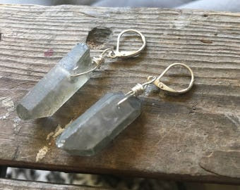 Crystal Chunk Earrings Gray Luminescent Natural Silver