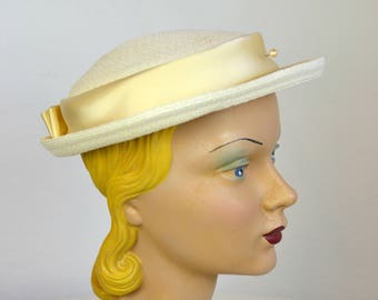 Vintage Cream Straw Hat with Satin Ribbon - 1950s/1960s Women's Straw Hat