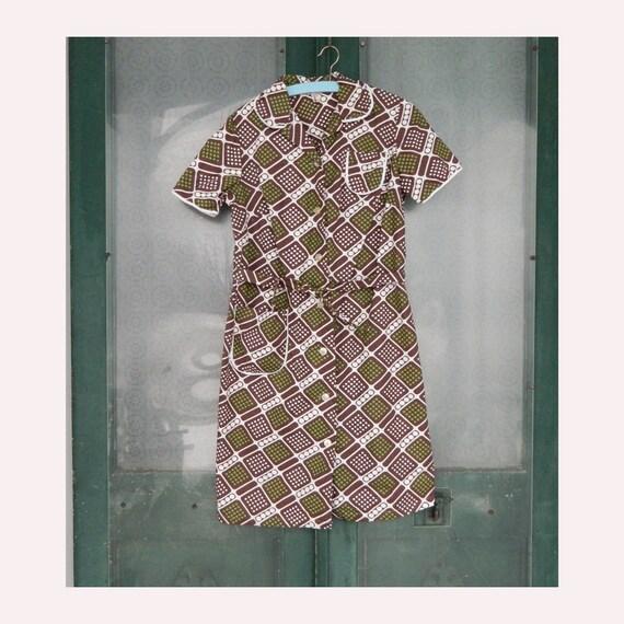 Vintage Hungarian Mod Short-Sleeve Dress -46/3/S- Brown/White/Green Polka Dot Cotton Seersucker