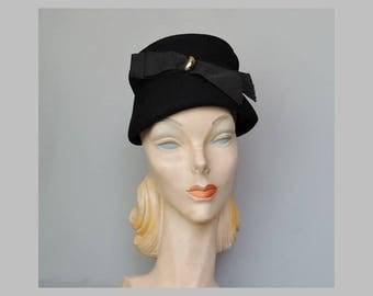 Vintage 1950s Black Hat, Felt Bucket Hat with Ribbon & Gold Decor, fits 21-22 inch head
