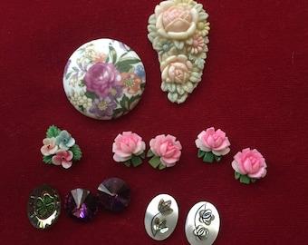 Vintage lot of floral cabochons