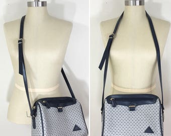 80s Liz Claiborne Navy Gray Triangle Logo Print Crossbody Shoulder Bag Purse, Medium Size