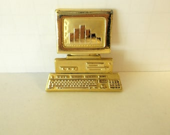 Retro Computer Brooch / Old School Computer / Tech Nerd Pins Computer Geeks / Prissys Newberry Antiques