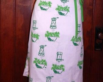 Vintage 70s mod Vested Gentress salad novelty print wrap skirt