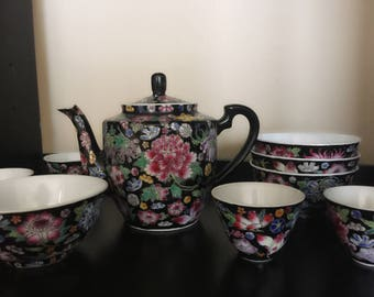 Vintage Chinese hand painted pottery teapot tea set & bowls