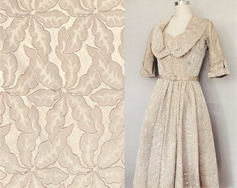 Vintage 1950s Dress / Sweetheart neckline 1950s dress for bridal, wedding, prom or party / taupe or champagne color /small