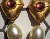 Large Runway Style Gold Tone Signed Dubin Dangle ClipOn Earrings