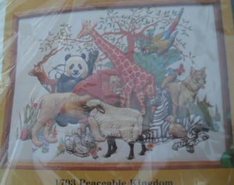 Embroidery Peaceable Kingdom Creative Circle Embroidery Kit NOS
