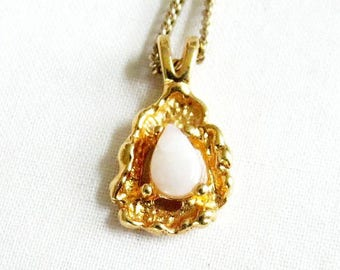 Faux Gold Nugget and Opal Pendant Necklace Vintage