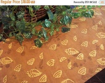 SALE Table Runner Sea Shells Caramel Batik Padded