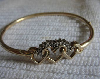 Vintage 10k yellow gold and diamond bracelet  it is 8 grams in weight.