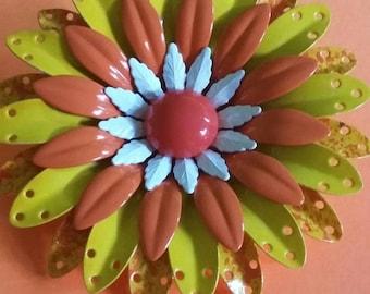 Vintage Metal Flower  Pin Brooch