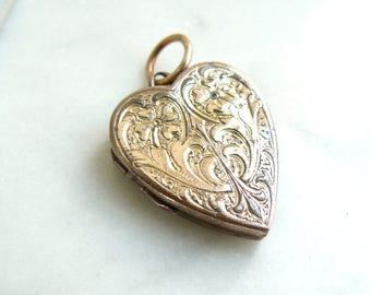 Vintage Gold Locket, Gold Back and Front Locket, Engraved Heart Locket, Vintage Photograph, Heart Necklace