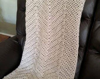 "Handmade Crochet Chevron Ripple Chunky Bulky Couch Afghan sofa bed Throw Blanket stretchy stripes soft DOVE GRAY light grey 42"" x 48"" New"