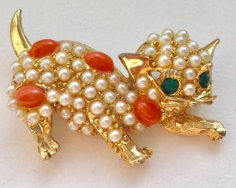 Pretty kitty bejeweled costume brooch, vintage costume brooch, vintage cat pin, faux pearl and rhinestone, glitzy cat pin