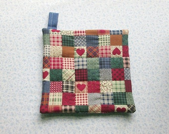 red country hearts with blue backs hand quilted with loop insulated potholder hot pad