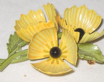 vintage 1970s Yellow Poppy Brooch and clip on earrings