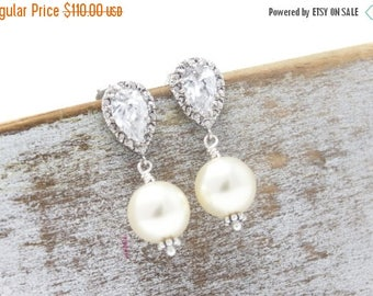 ON SALE Bridesmaid Earrings Set of 5 Rhinestone and Pearl Drop Wedding Earrings