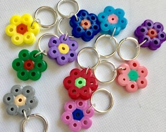 Stitch markers knitting, snag free, ringos - 1970s FLOWERS