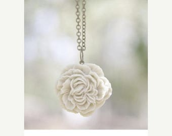 CHRISTMAS in JULY SALE Cream Ivory Peony Flower Necklace // Bridesmaid Gifts // Country Outdoor Wedding // Bridesmaid Necklaces