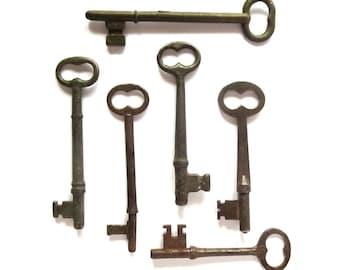 6 Vintage skeleton keys Old keys Rustic keys Antique skelton keys Aged skeleton keys Key collection Early keys Bargain keys Old bit keys #3