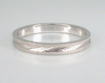 Women's Vintage 14K White Gold Wedding Band - New Condition