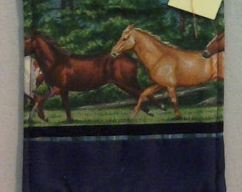 Coaster, Horses running 234495