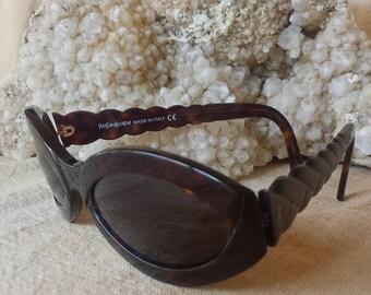 Yves St Laurent Classic Sunglasses / 1990 YSL 6568 Tortoise Brown Sunglasses / YSL 6568 Size Large Sunglasses