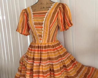 Memorial Day Sale 25% OFF Sale Yee Haw -- Adorable Vintage Western H Bar C Ladies Dress from the 60's Size S-M