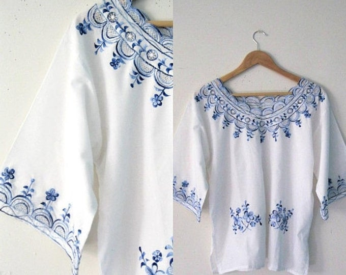 WINTER SALE Vintage embroidered Bohemian blouse / Blue floral embroidered tunic blouse top