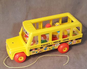 Vintage Fisher Price School Bus Pull Toy #192 Little People