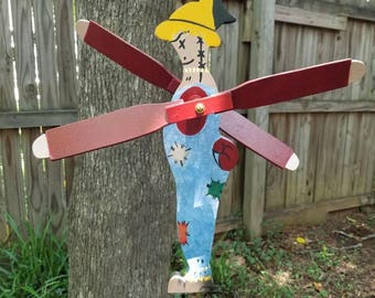 Scarecrow whirligig
