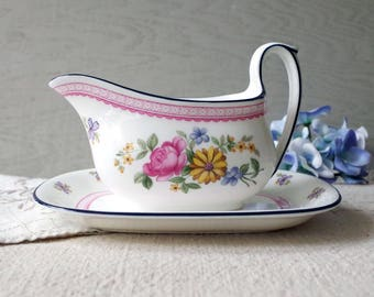 Wedgwood Bone China Gravy Boat & Underplate NAOMI Pattern Made in England