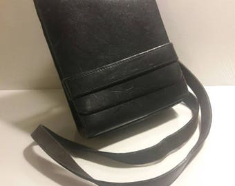 Gap Genuine Leather shoulder strap bag purse sturdy retro vintage