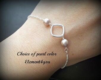 Bridal party gift, Bridesmaid bracelet, Sterling silver, Delicate pearl bracelet, Swarovski champagne pearls, Wedding jewelry
