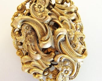 ON SALE Lovely Vintage Fancy Brass Dress Clip